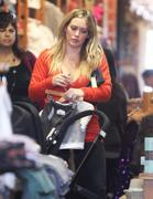 http://img5.imagevenue.com/loc115/th_216894511_Hilary_Duff_Shopping_in_Beverly_Hills6_122_115lo.jpg
