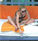 Lindsay Lohan looks like shes spending too much time with Tara Reid Foto 138 (Линдси Лохан Похоже Shes тратят слишком много времени с Tara Reid Фото 138)