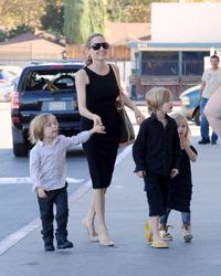 Angelina Jolie Takes Her Kids Shopping For Halloween Costumes (October 28, 2012)x153