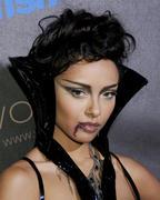 http://img5.imagevenue.com/loc377/th_70087_Heidi_Klum4s_10th_Annual_Halloween_Party_034_122_377lo.jpg