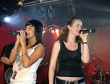 TATU IMAGENES Th_73501__tatu_perform_in_club_addict_in_tokyo_022__123_416lo
