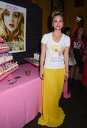 http://img5.imagevenue.com/loc418/th_917074511_Kaley_Cuoco_Zooey_Magazine_Launch_Party5_122_418lo.jpg