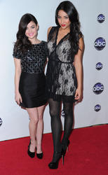 http://img5.imagevenue.com/loc505/th_13694_Lucy_Hale_Disney_Winter_Press_Tour_026_122_505lo.jpg