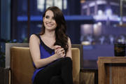 http://img5.imagevenue.com/loc506/th_10562_Emma_Roberts_The_Tonight_Show_With_Jay_Leno5_122_506lo.jpg