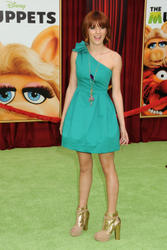 http://img5.imagevenue.com/loc52/th_595960897_Bella_Thorne_The_Muppets_Premiere_Hollywood_122_52lo.jpg