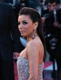 Канны (Annual Cannes International Film Festival ) - Страница 3 Th_89210_Eva_Longoria_Cannes2010_010_122_588lo